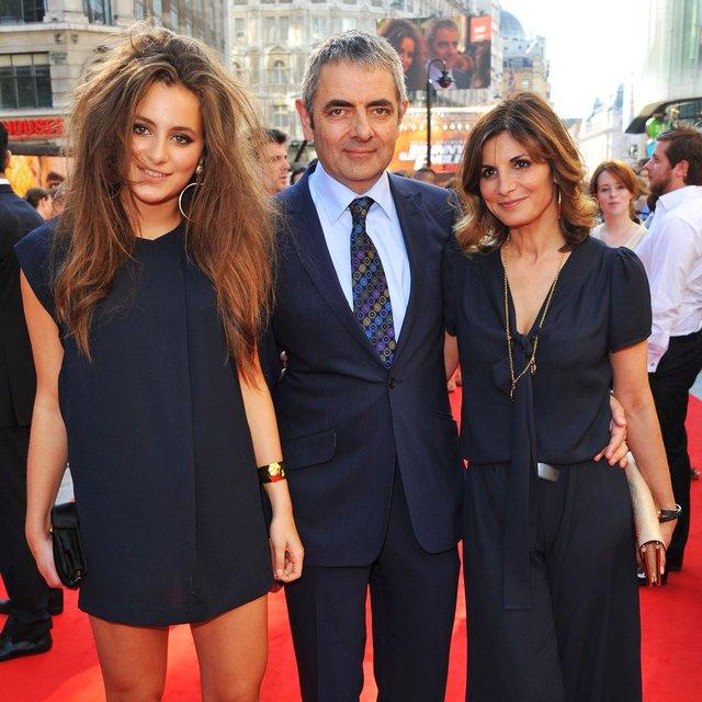 Sau khi bỏ vợ theo tình trẻ kém 28 tuổi, cuộc sống của Mr. Bean ở tuổi U70 ra sao? - Ảnh 3.