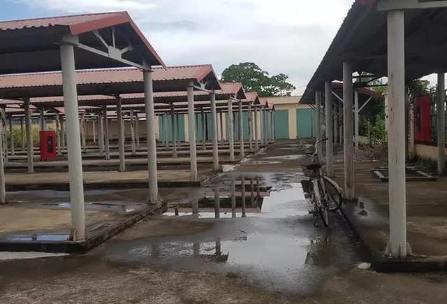 Chi hơn 10 tỉ đồng xây chợ đầu mối chào mừng xã nông thôn mới rồi... bỏ hoang  - Ảnh 5.
