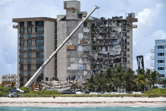 2 tuần sau vụ sập chung cư ở Mỹ, điều kỳ diệu đã xảy ra khiến đội cứu hộ phải thốt lên phép màu có thật - Ảnh 5.