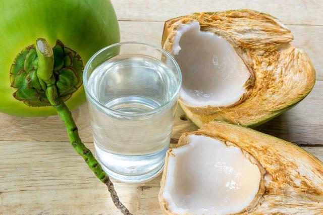 Có một phần trong trái dừa tốt cho tim mạch, giúp thăng hạng nhan sắc nhưng phụ nữ hay vứt đi  - Ảnh 2.