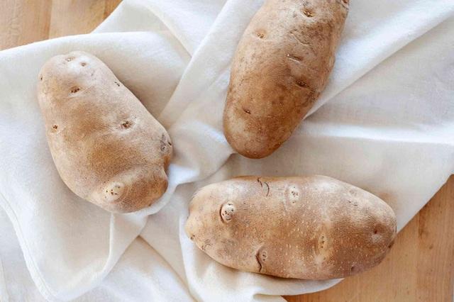Khoai tây là loại thực phẩm tuyệt vời đối với sức khỏe nếu bạn biết cách chế biến và ăn như thế này  - Ảnh 1.