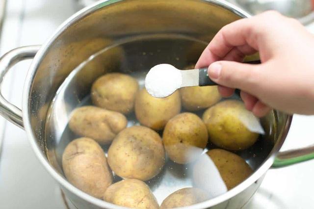 Khoai tây là loại thực phẩm tuyệt vời đối với sức khỏe nếu bạn biết cách chế biến và ăn như thế này  - Ảnh 2.