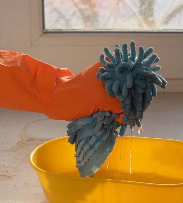 9 mẹo làm sạch đồ dùng trong gia đình siêu nhanh, tạm biệt vết bẩn và vi trùng khó chịu - Ảnh 3.