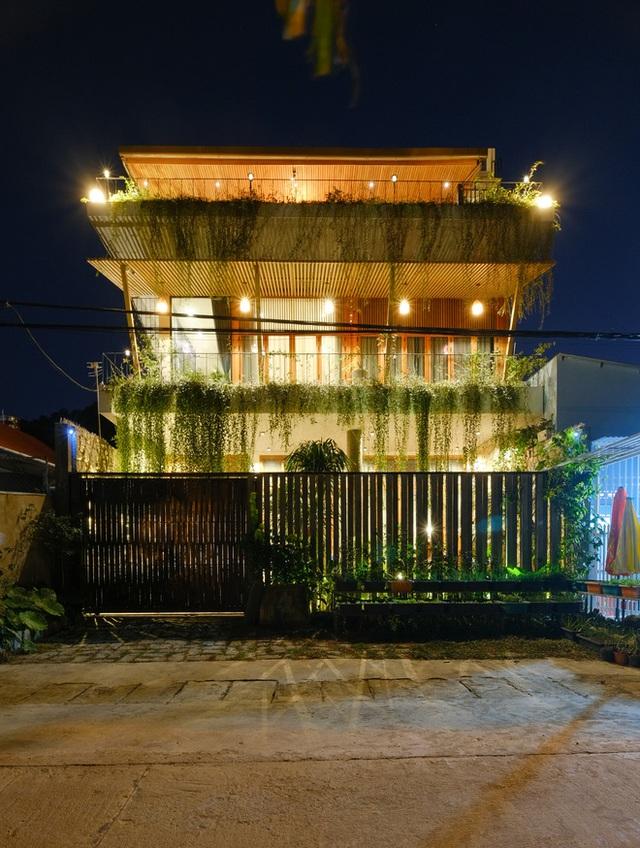 Nhà ven sông siêu chill với kiến trúc nhiệt đới, mê nhất là khu giếng trời xanh mát đến lịm người - Ảnh 27.