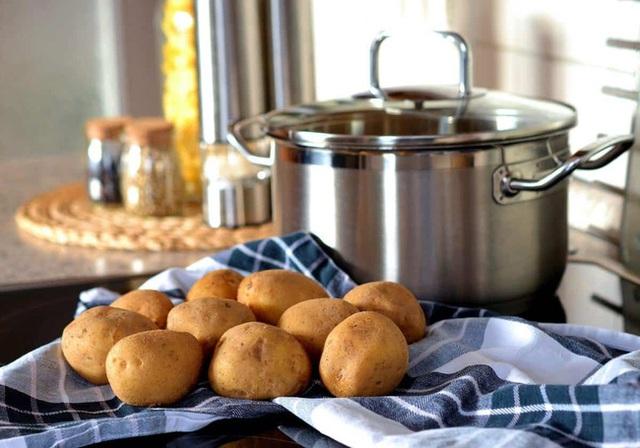 Khoai tây là loại thực phẩm tuyệt vời đối với sức khỏe nếu bạn biết cách chế biến và ăn như thế này  - Ảnh 4.