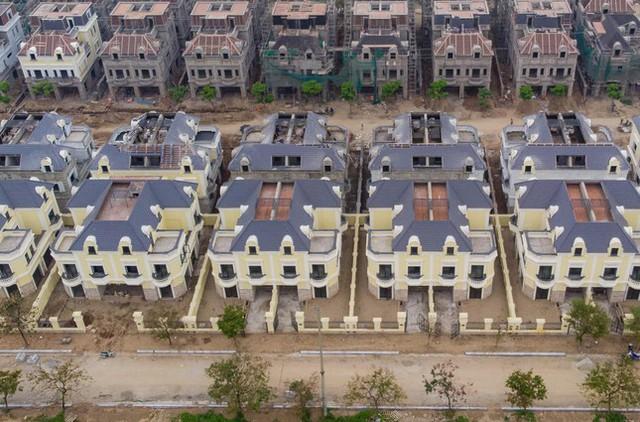 Mổ xẻ hiện tượng biệt thự, nhà liền kề Hà Nội giá tăng chóng mặt - Ảnh 1.