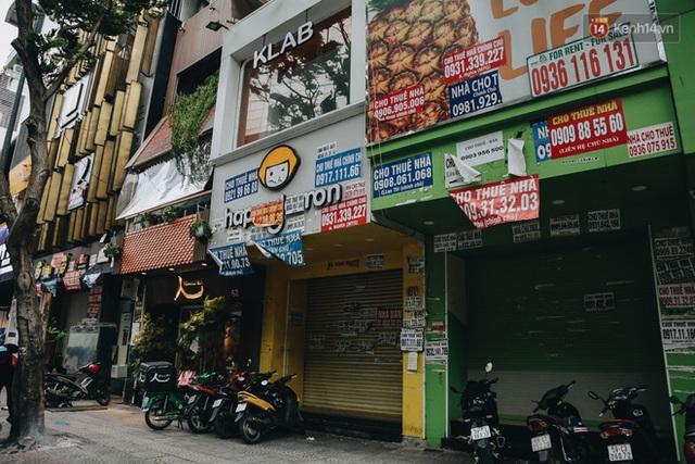 """Mặt bằng nhà phố trung tâm Sài Gòn """"kiệt sức"""" vì Covid-19: Chi chít bảng cho thuê nhưng chẳng ai ngó ngàng - Ảnh 12."""