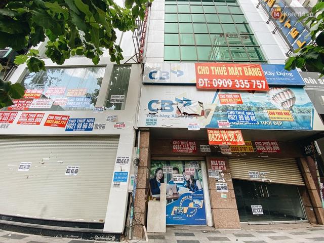 """Mặt bằng nhà phố trung tâm Sài Gòn """"kiệt sức"""" vì Covid-19: Chi chít bảng cho thuê nhưng chẳng ai ngó ngàng - Ảnh 17."""