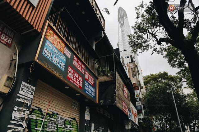 """Mặt bằng nhà phố trung tâm Sài Gòn """"kiệt sức"""" vì Covid-19: Chi chít bảng cho thuê nhưng chẳng ai ngó ngàng - Ảnh 18."""