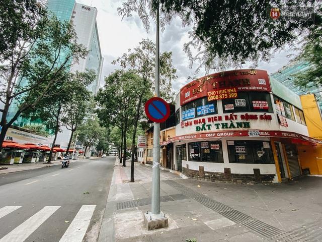 """Mặt bằng nhà phố trung tâm Sài Gòn """"kiệt sức"""" vì Covid-19: Chi chít bảng cho thuê nhưng chẳng ai ngó ngàng - Ảnh 20."""
