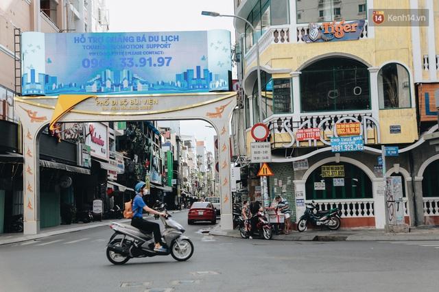 """Mặt bằng nhà phố trung tâm Sài Gòn """"kiệt sức"""" vì Covid-19: Chi chít bảng cho thuê nhưng chẳng ai ngó ngàng - Ảnh 3."""