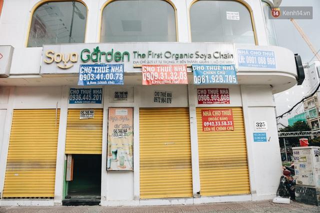 """Mặt bằng nhà phố trung tâm Sài Gòn """"kiệt sức"""" vì Covid-19: Chi chít bảng cho thuê nhưng chẳng ai ngó ngàng - Ảnh 6."""