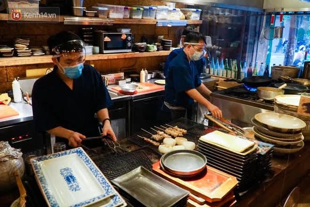 """Các nhà hàng, quán ăn ở Hà Nội sau chỉ thị dừng bán tại chỗ: """"Chúng tôi phải cho hơn 2/3 nhân viên nghỉ việc"""" - Ảnh 3."""