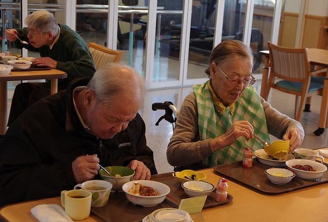 Thức uống sống thọ mà người Nhật không thể thiếu trong mỗi bữa ăn, ở Việt Nam cũng bán rất nhiều - Ảnh 1.