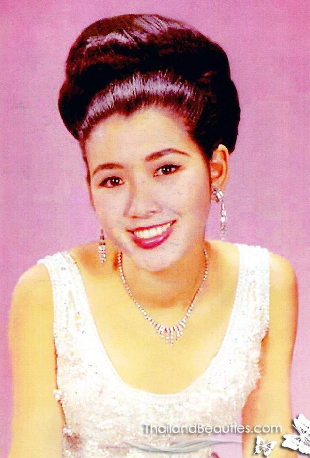 Đăng quang Hoa hậu Hoàn vũ Thế giới từ gần 60 năm trước, mỹ nhân nức tiếng châu Á một thời khiến công chúng sửng sốt với nhan sắc ở tuổi 74 - Ảnh 1.