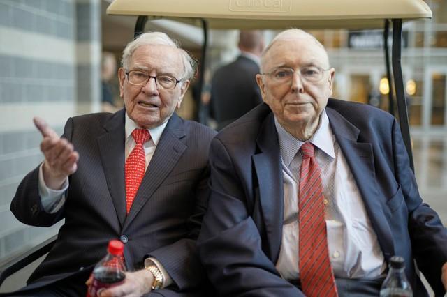 Đôi bạn thân tỷ phú Warenn Buffett và Charlie Munger: Hơn cả tiền bạc, đây mới là thứ chúng tôi tìm kiếm suốt nhiều thập kỷ qua - Ảnh 1.