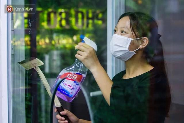 """Các nhà hàng, quán ăn ở Hà Nội sau chỉ thị dừng bán tại chỗ: """"Chúng tôi phải cho hơn 2/3 nhân viên nghỉ việc"""" - Ảnh 13."""