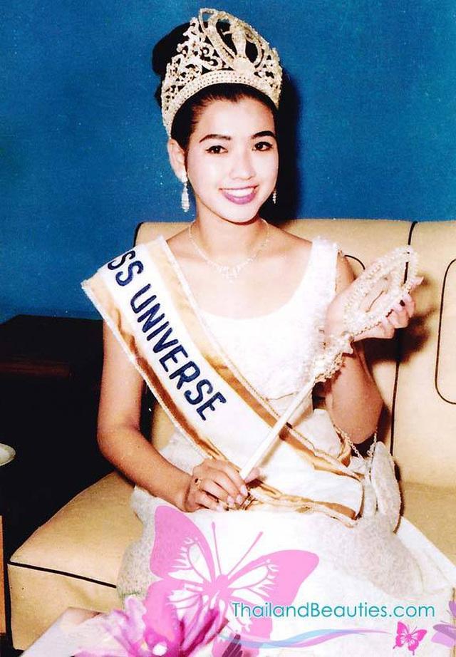 Đăng quang Hoa hậu Hoàn vũ Thế giới từ gần 60 năm trước, mỹ nhân nức tiếng châu Á một thời khiến công chúng sửng sốt với nhan sắc ở tuổi 74 - Ảnh 3.