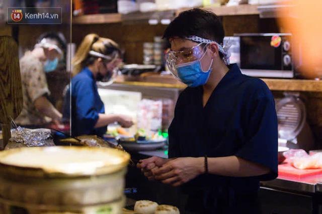 """Các nhà hàng, quán ăn ở Hà Nội sau chỉ thị dừng bán tại chỗ: """"Chúng tôi phải cho hơn 2/3 nhân viên nghỉ việc"""" - Ảnh 6."""