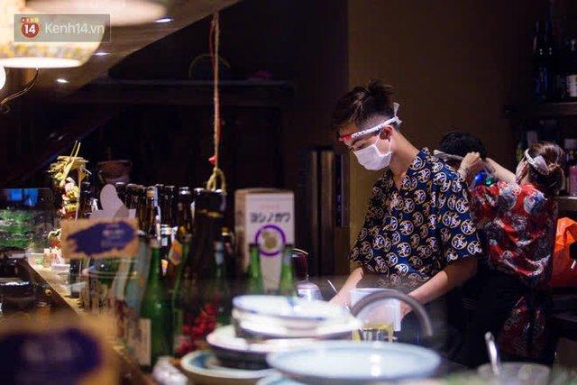 """Các nhà hàng, quán ăn ở Hà Nội sau chỉ thị dừng bán tại chỗ: """"Chúng tôi phải cho hơn 2/3 nhân viên nghỉ việc"""" - Ảnh 7."""