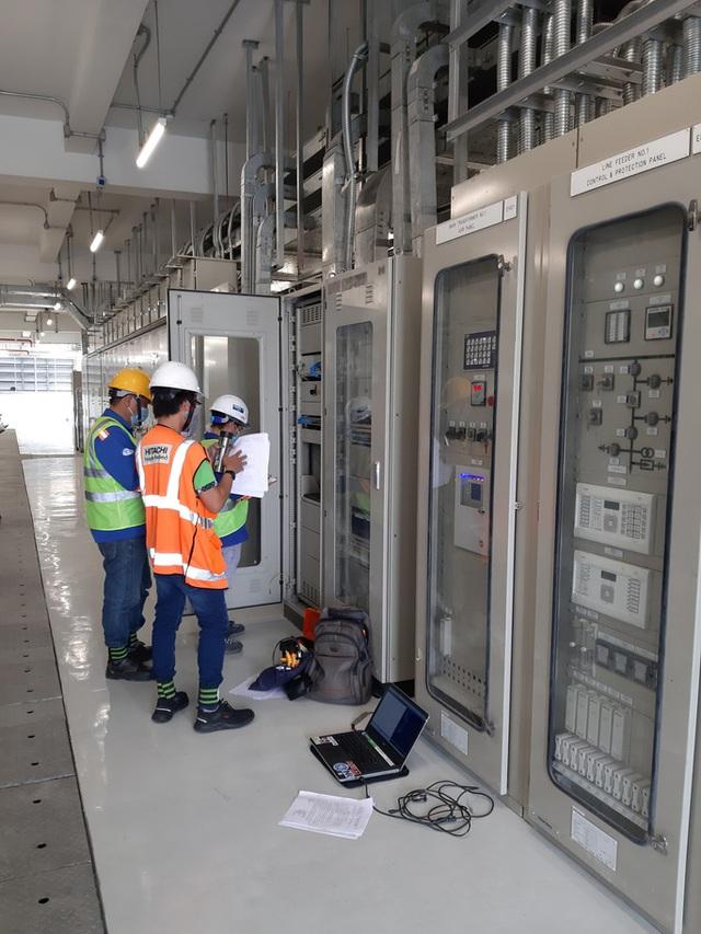 Hình ảnh cận cảnh 2 đoàn tàu số 6, 7 và đóng điện trạm biến áp của tuyến metro số 1  - Ảnh 6.