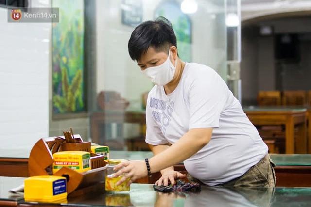 """Các nhà hàng, quán ăn ở Hà Nội sau chỉ thị dừng bán tại chỗ: """"Chúng tôi phải cho hơn 2/3 nhân viên nghỉ việc"""" - Ảnh 11."""