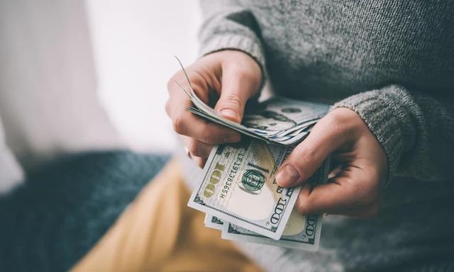 Sinh viên năm 2 có 10 triệu VNĐ trong tay, hỏi nên làm gì để bắt đầu sự nghiệp: Đa số khuyên đầu tư chứng khoán, nhưng quan trọng nhất là xác định được điều này - Ảnh 2.