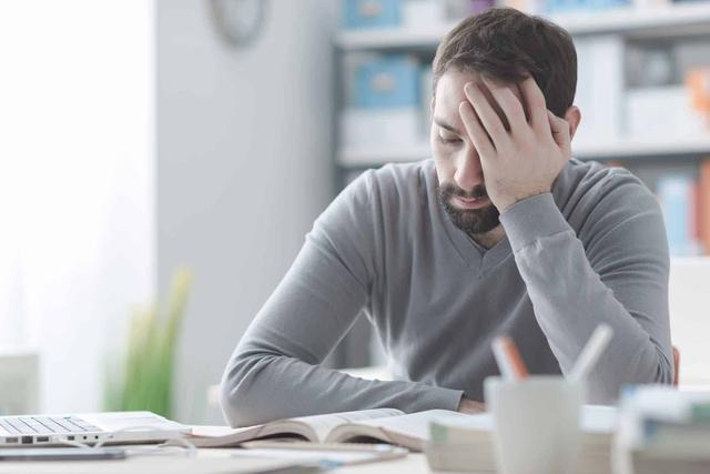 Nghiên cứu khoa học chỉ ra điểm ít ai ngờ: Hôn nhân không hạnh phúc, nam giới thiệt hơn vợ ở điểm này - Ảnh 1.