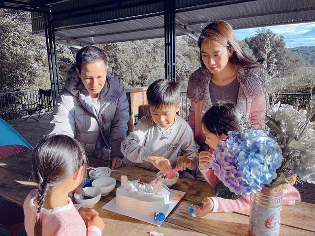 Doanh nhân Việt làm gì ở nhà mùa dịch: Trong khi chủ tịch Hùng Huy vào bếp thì Cường Đô la nghe vợ trồng cây, riêng Hà Tăng chọn 1 thói quen được nhiều tỷ phú tin dùng - Ảnh 11.