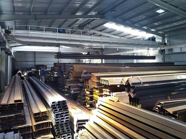 Giá sắt thép tăng cao khiến nhà thầu, chủ đầu tư điêu đứng - Ảnh 3.