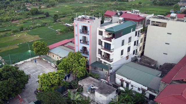 Hà Nội: Cận cảnh phong tỏa 3 tòa nhà trên phố Trần Cung do có ca F0 - Ảnh 11.