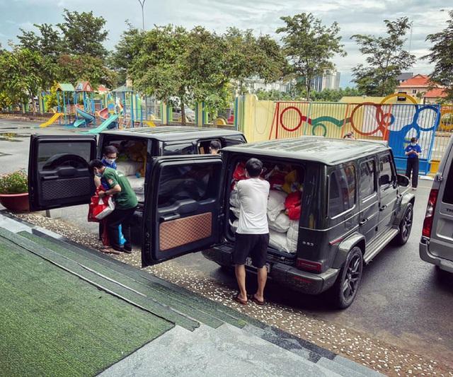 Showroom siêu xe đỉnh thành tiệm tạp hóa và đại gia 9X lái Mercedes-AMG G63 đi ship gạo, nước mắm - Ảnh 4.
