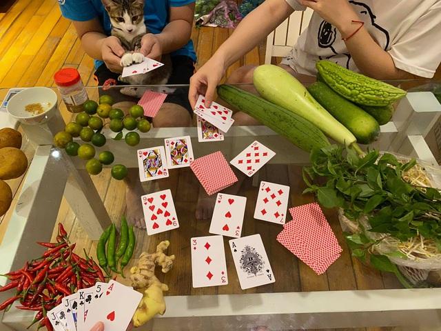 Cọng hành, bó cải bỗng thành của quý của nhiều gia đình tại Sài Gòn, thay đổi luôn cách dùng rau thịt trong mỗi bữa ăn!  - Ảnh 5.
