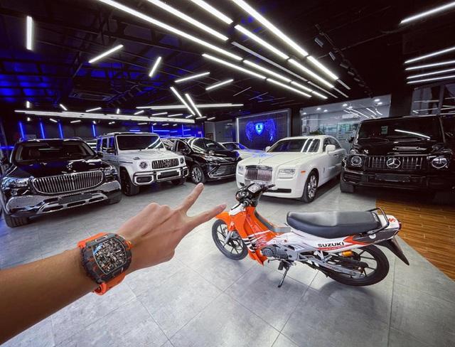 Showroom siêu xe đỉnh thành tiệm tạp hóa và đại gia 9X lái Mercedes-AMG G63 đi ship gạo, nước mắm - Ảnh 8.