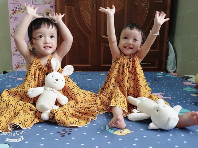 Trúc Nhi - Diệu Nhi sau 1 năm phẫu thuật tách rời: 2 thiên thần đáng yêu, đã tự sinh hoạt như bao em nhỏ khác - Ảnh 3.