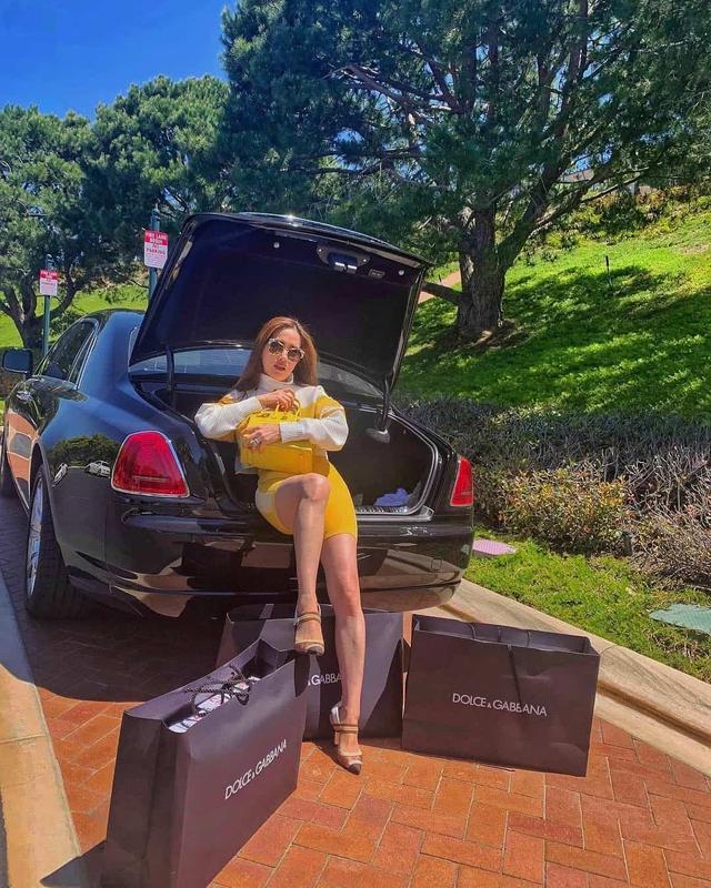 Cuộc sống xa hoa của nữ đại gia gốc Việt trong biệt thự 800 tỷ đồng tại Mỹ: Túi hiệu tậu theo màu, siêu xe cũng sưu tầm toàn cái tên khủng - Ảnh 11.