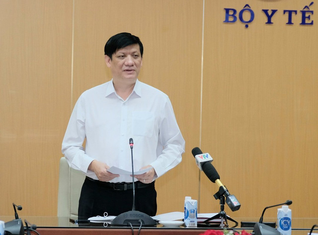 Bộ trưởng Bộ Y tế: Đợt dịch COVID-19 lần này sẽ kéo dài hơn trước, gây tác động trên diện rộng  - Ảnh 1.