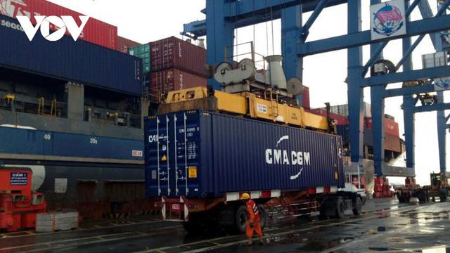 Chi phí logistics tăng cao khiến nhiều ngành hàng gặp khó - Ảnh 1.