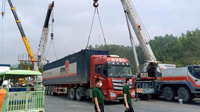 Chi phí logistics tăng cao khiến nhiều ngành hàng gặp khó - Ảnh 2.
