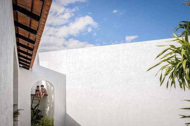 Ngôi nhà màu trắng đẹp không tì vết tại Phú Yên vừa lên báo Mỹ - Ảnh 11.