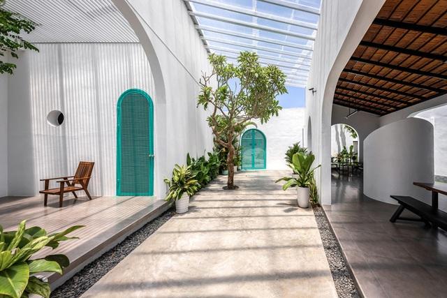 Ngôi nhà màu trắng đẹp không tì vết tại Phú Yên vừa lên báo Mỹ - Ảnh 15.