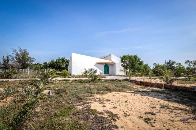 Ngôi nhà màu trắng đẹp không tì vết tại Phú Yên vừa lên báo Mỹ - Ảnh 19.