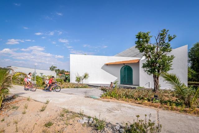 Ngôi nhà màu trắng đẹp không tì vết tại Phú Yên vừa lên báo Mỹ - Ảnh 20.
