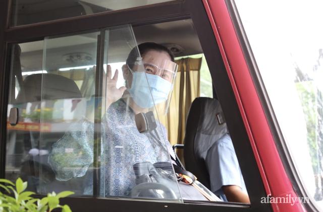 Người Sài Gòn đang rất bối rối thì có một nữ Tiến sĩ tâm lý sẵn sàng chữa lành miễn phí cho những ai đang stress vì bất cứ lý do gì trong mùa dịch - Ảnh 5.