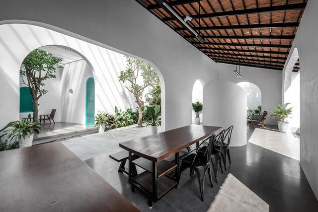 Ngôi nhà màu trắng đẹp không tì vết tại Phú Yên vừa lên báo Mỹ - Ảnh 6.