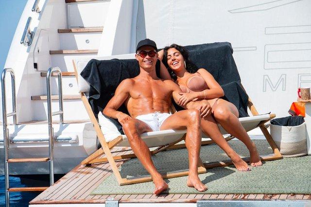 Có gì bên trong biệt thự xa hoa giá tới 320 triệu đồng/đêm mà Cristiano Ronaldo chọn để nghỉ dưỡng cùng gia đình? - Ảnh 9.