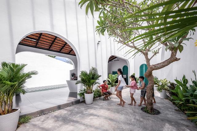Ngôi nhà màu trắng đẹp không tì vết tại Phú Yên vừa lên báo Mỹ - Ảnh 9.