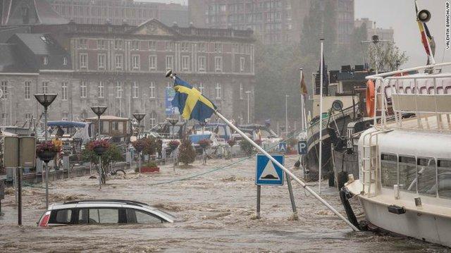 Những hình ảnh khủng khiếp trong đợt mưa lũ lịch sử làm 120 người chết ở Tây Âu - Ảnh 12.