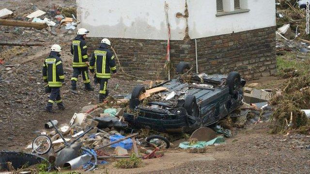 Những hình ảnh khủng khiếp trong đợt mưa lũ lịch sử làm 120 người chết ở Tây Âu - Ảnh 3.