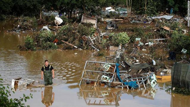 Những hình ảnh khủng khiếp trong đợt mưa lũ lịch sử làm 120 người chết ở Tây Âu - Ảnh 5.